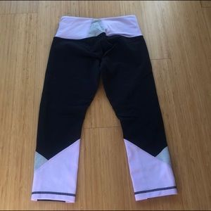 EUC Lululemon Crop Leggings Size 2